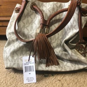 Michael Kors tote in great condition!